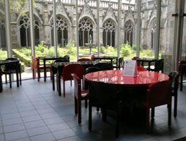 Theehuis Domkerk Utrecht met zicht op het Pandhof