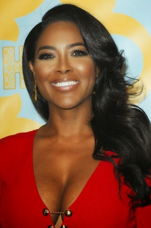 THE WORLD AT LARGE: Kenya Moore shades Actress Lupita Nyong'o for refu...