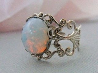 opal and silver!Opals Rings, Wedding Ring, Opal Rings, Fire Opals, Beautiful, Vintage Rings, White Opals, Jewelry, Engagement Ring