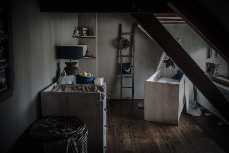 Landelijke babykamer met een beetje hoffz en leuke decoratie van baby s only stoere - Volwassen kamer kleur idee ...