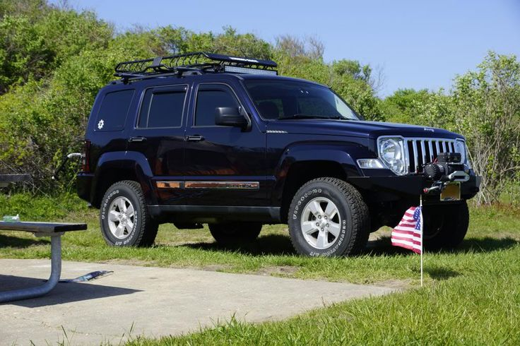 Raised ajeep Liberty 4x4 Badass jeep, Jeep liberty sport