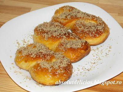 Absolut Delicios - Retete culinare: MUCENICI MOLDOVENESTI (SFINTISORI)