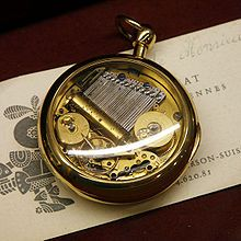 I love music boxes.... this is absolutely beautiful