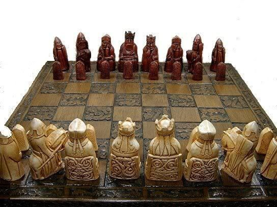 Large vintage style set of detailed Isle of lewis Chess Set chessmen game pieces
