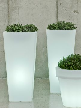 Aix Squara LED Planter from Illuminated Outdoor: Furniture