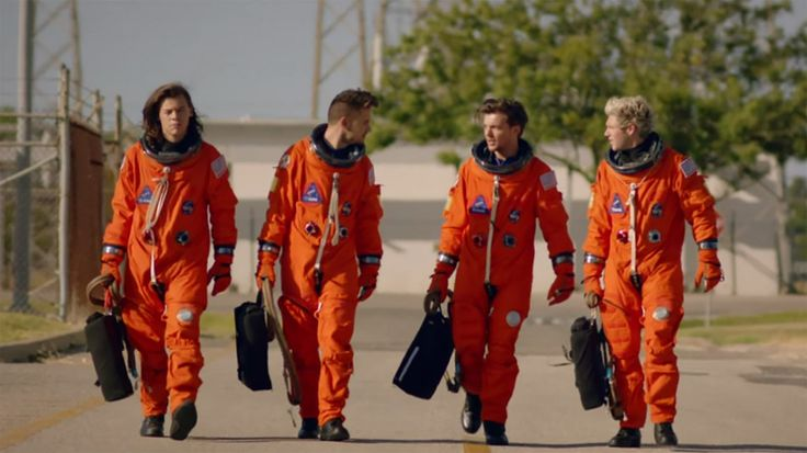 One Direction Become Astronauts in the 'Drag Me Down' Video