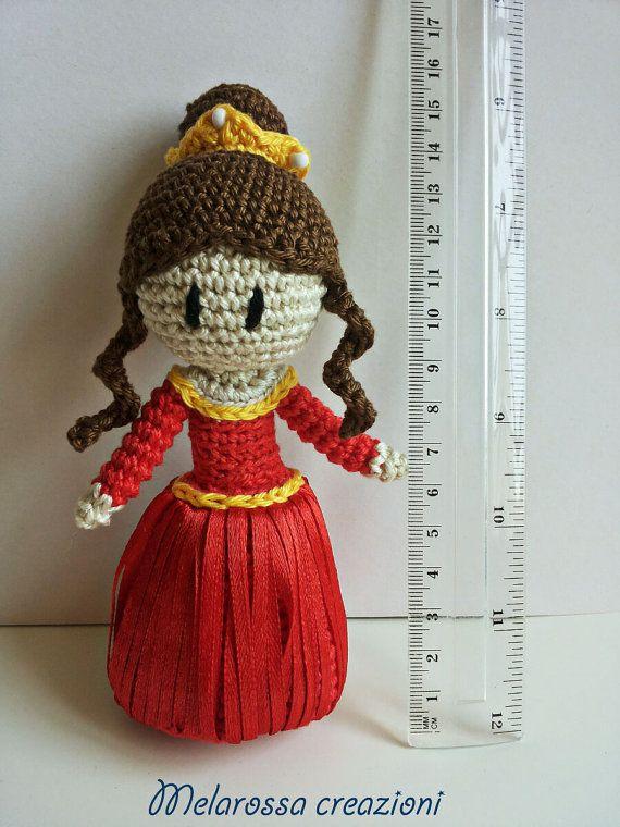 Bambola Principessa amigurumi fatta a mano di MelarossaCreazioni