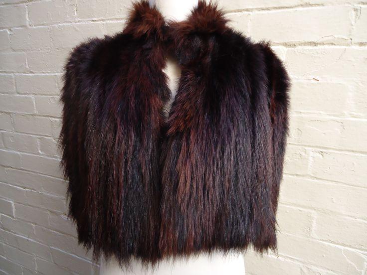 1930s/40's Fox fur capelet in excellent condition. $129