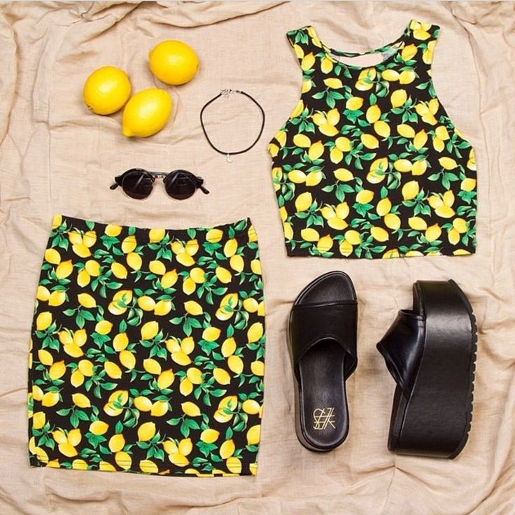 When life gives you lemons  one size small available left in this!
