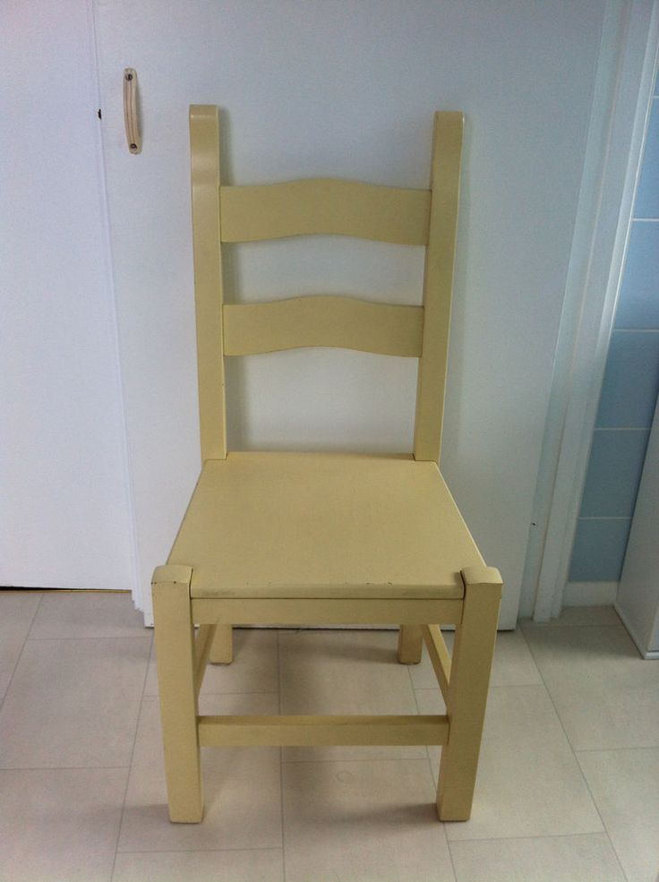 PINETUM Amish BRETTON CHAIR - Winborn White in very good condition.
