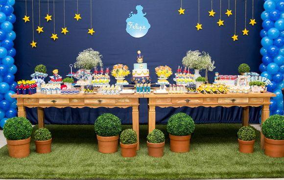 Encante seus convidados com esta linda decoração do pequeno principe.  Podemos…