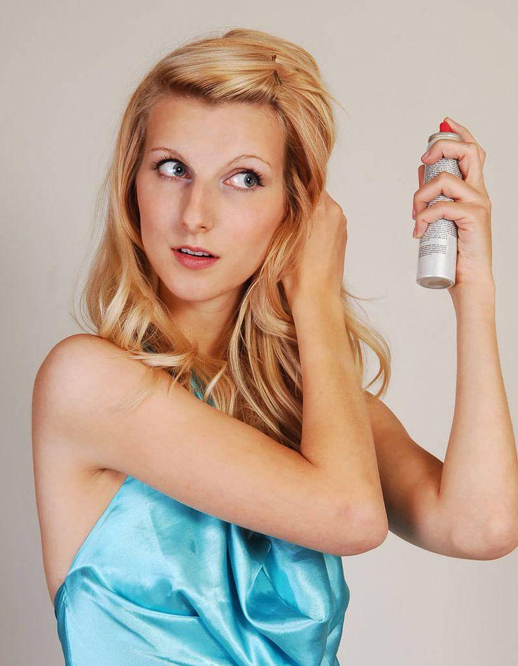 Hiuksiin saa lisää volyymia usealla eri keinolla.