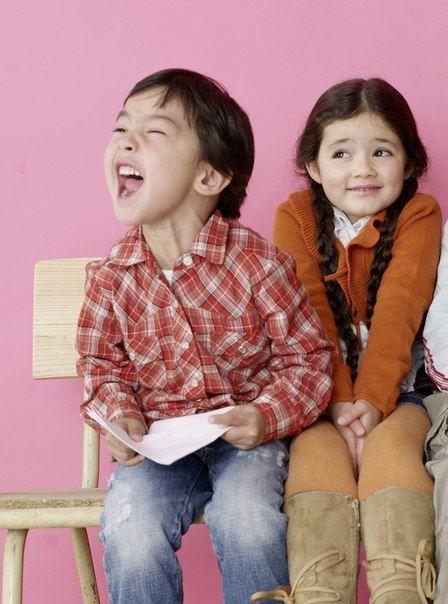 Научите детей говорить громко, не надрывая голосовых связок. Это пригодится для выступлений на публике (чтения стихов на утреннике, ответов у доски, докладов в старших классах и в вузах, да и просто для четких ответов на вопросы воспитателя, с места).