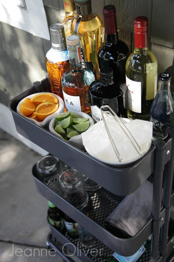 Whether you're eating outside or inside (weather permitting), you can take the bar with you with a RÅSKOG kitchen cart