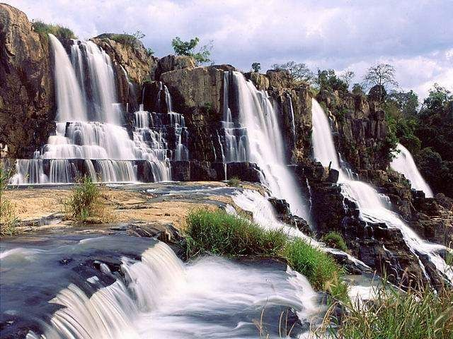 Camly waterfal in Da Lat - Vietnam, the very beautiful place that you can't miss when come to Da Lat.