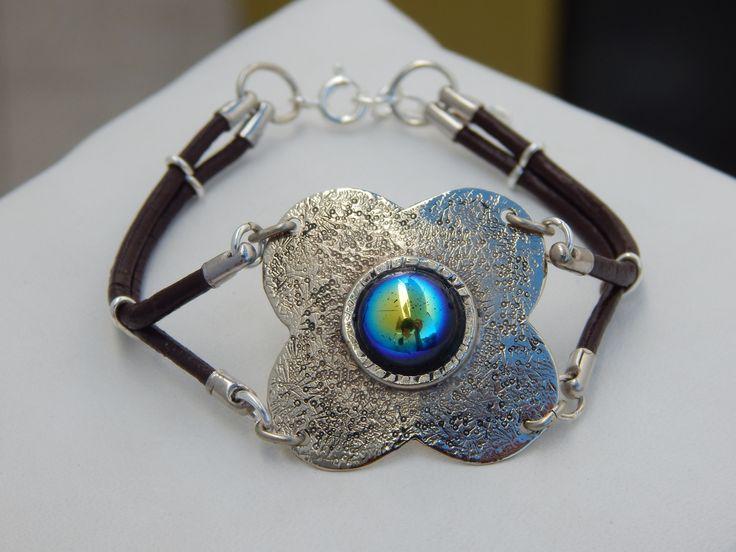 """Bracelet """"Capucine"""" argenté et noir irisé : Bracelet par bijou-lie"""