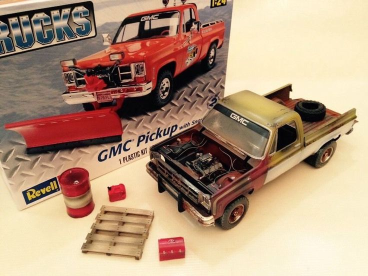 1 24 Model Kit 70s GMC Pickup Weathered Junkyard Barn Find Diorama