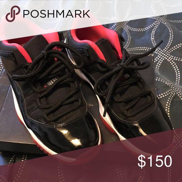 Men Jordan's Low Breds, barely worn Nike Shoes Sneakers