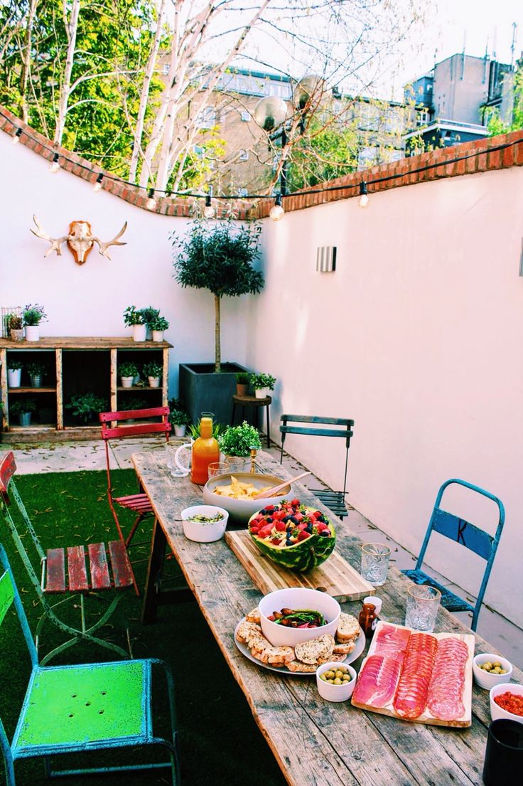 Sunny day in London, party ideas