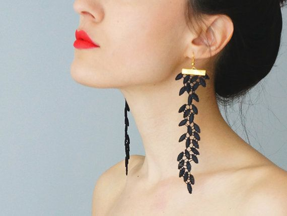 EARRINGS // Galeo // Handmade Statement Lace Earrings - Black - Dangling Dangle Leaf Leaves Venise Lace on Etsy, 16,26 €