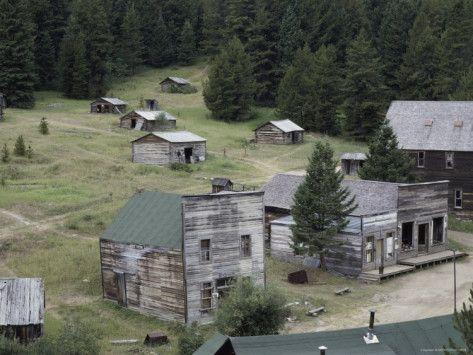 Google Image Result for http://imgc.allpostersimages.com/images/P-473-488-90/29/2918/FWFRD00Z/posters/garnet-ghost-town-montana-usa.jpg