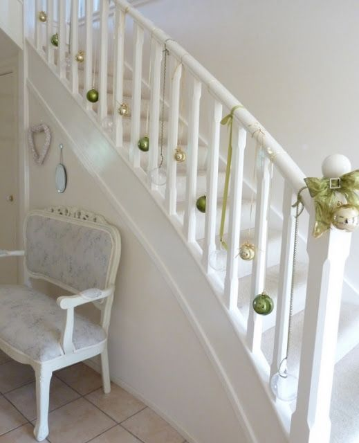28 Best Stairway Decorating Ideas And Designs For 2019: 25+ Best Ideas About Christmas Stairs Decorations On