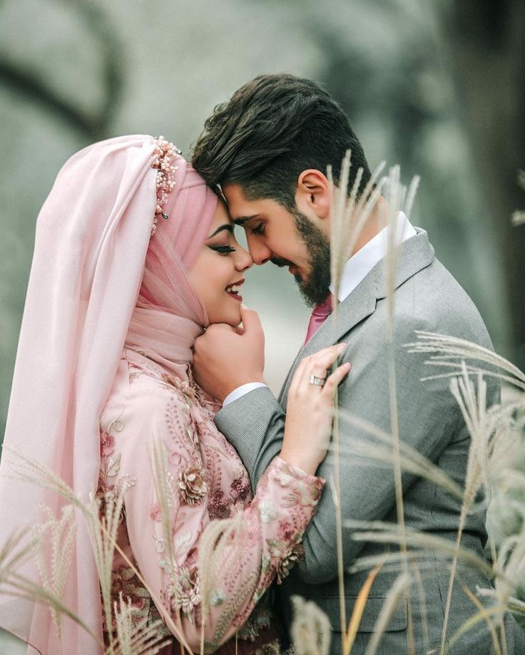 """4,228 Likes, 32 Comments - Muslim Wedding Ideas {106k} (@muslimweddingideas) on Instagram: """"Beautiful bride showered in rose petals Lovely capture by the talented female photographer…"""""""