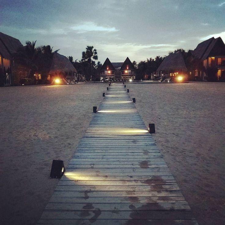 Vacances  #passekudah #srilanka #maalumaalu #ocean #plage #океан #шриланка  #пляж #photooftheday #instagood #igersparis #igersfrance #RomaPur