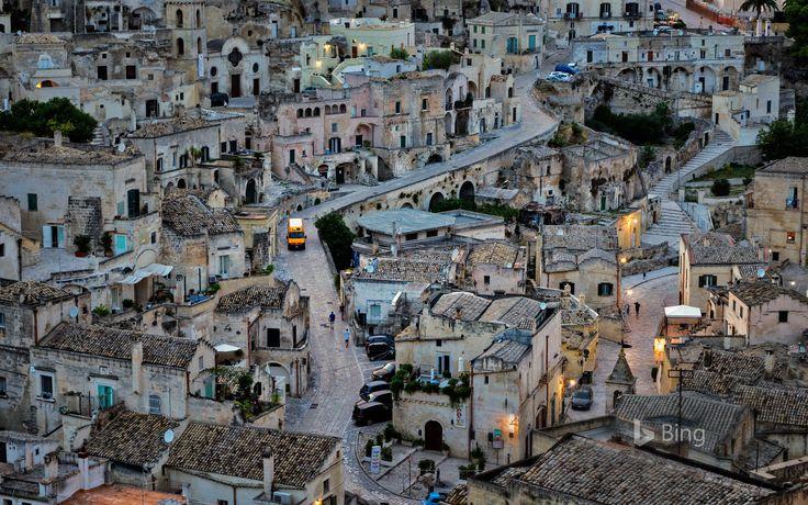 「マテーラの洞窟住居」イタリア bing