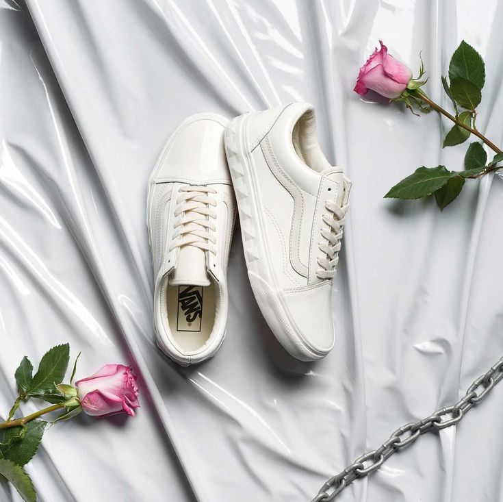 "25.6k Likes, 103 Comments - vans girls (@vansgirls) on Instagram: ""Add a little edge in the Studs Sidewall Old Skool. Shop online or find a store at vans.com…"""