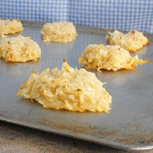 Coconut Macaroons #CookieWeek