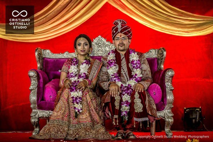 Oggi vi presentiamo un matrimonio davvero particolare,quellodi Chandan e Snehaè. Un lungo viaggio nella terra dei mille colori: l'incredibile India.Il loro matrimonio è stato un continuo susseguirsi di riti e festeggiamenti per quattro giorni