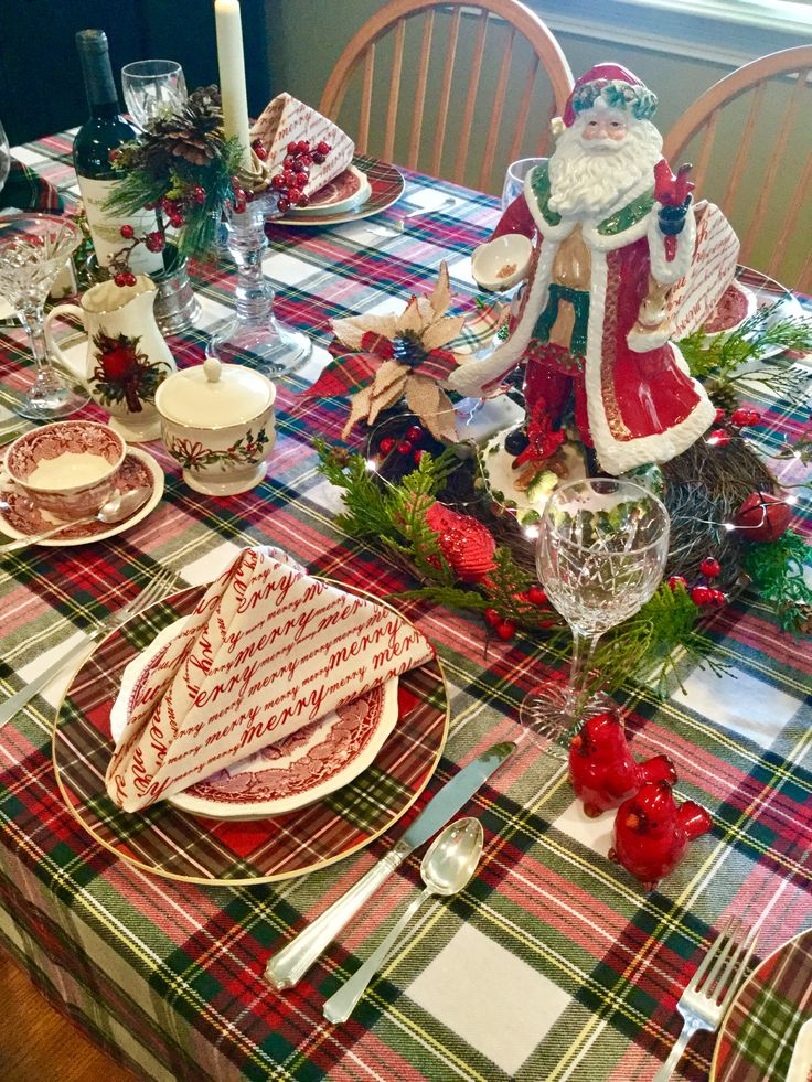 Mason's Vista, Lenox Holiday Greetings, Williams-Sonoma tartan Christmas tablescape