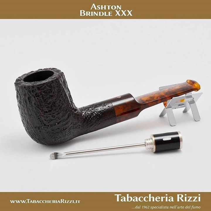 "Ashton 031 Brindle XXX Buy online @ http://ift.tt/2wanSpP USE THE CODE ""instasaleoff"" TO GET % DISCOUNT Colore: Nero Finissaggio: Sabbiata Forma: Dritta Foro bocchino: 3mm Peso: 46g 01 Lunghezza: 128mm 02 Altezza fornello esterno: 49mm 03 Ø est Fornello: 34mm 04 Ø int Fornello: 20mm 05 Lunghezza cannello: 20mm #cigaraficionado #cigarporn #cigarlife #cigaroftheday #cigarsociety #cigarsnob #smoke #cigarphotography #cigarboss #cigarlover #cigarworld #tobacco #cohiba #luxury #cigarlifestyle…"