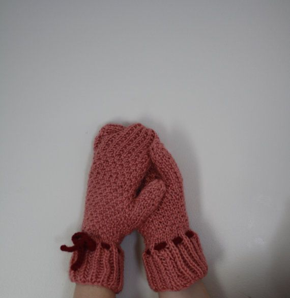 Knit Mittens Salmon Pink Roaring 20s Lady by knittylittlesecret, $45.00