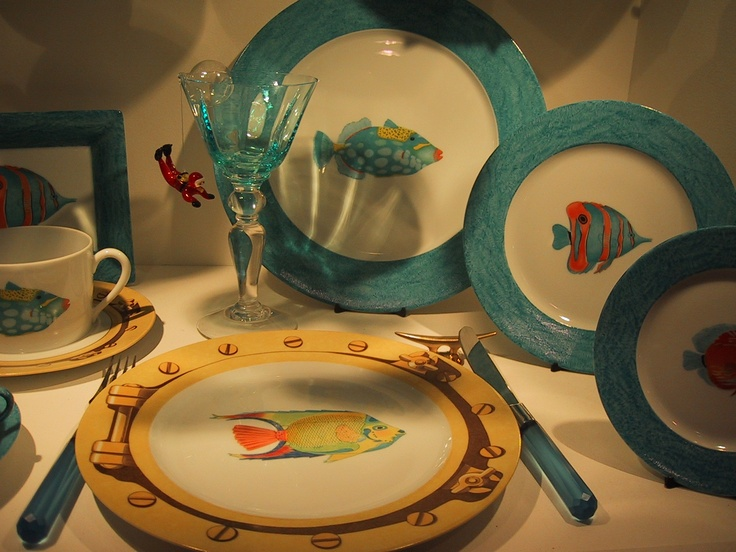 ... cups and saucers coffee sets plates for boats or seaside house! mix and match of different tropical fishes borders hand painted blue sea or ... & 13 best My blue sea dinnerware images on Pinterest | Dinnerware ...