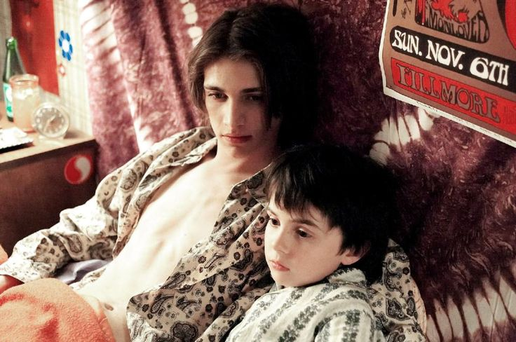Joshua Close, Andrew Chalmers, 2004 | Essential Gay Themed Films To Watch, A Home at the End of the World http://gay-themed-films.com/watch-a-home-at-the-end-of-the-world/