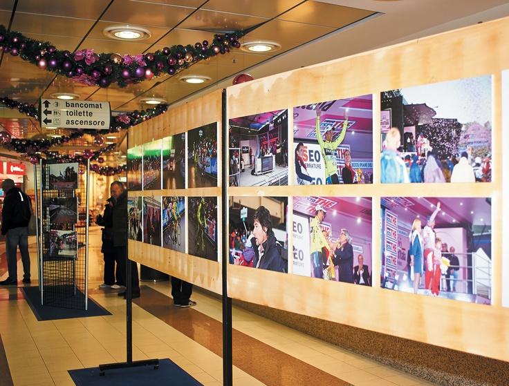 Al Centro Commerciale Meridiana di Lecco una mostra fotografica per festeggiare un anno di ciclismo