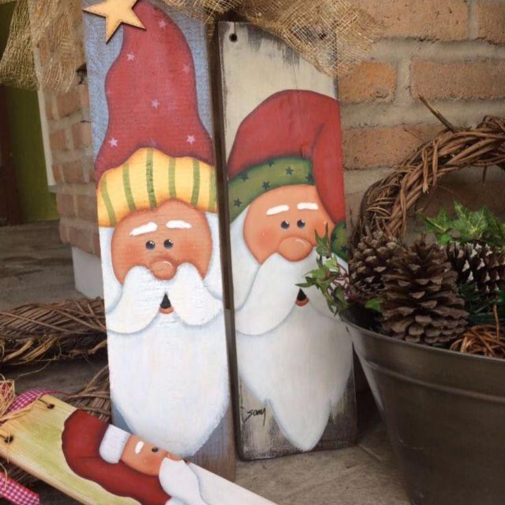 Tesouros da minha aluna virtual Sanmara Gusmão  Designer e execução dela!  #madeira #decoration #natal