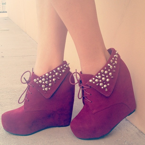 Perfect for fall. #gojane #wedge #spikes #studs #burgundy #lace #instadaily #instafashion
