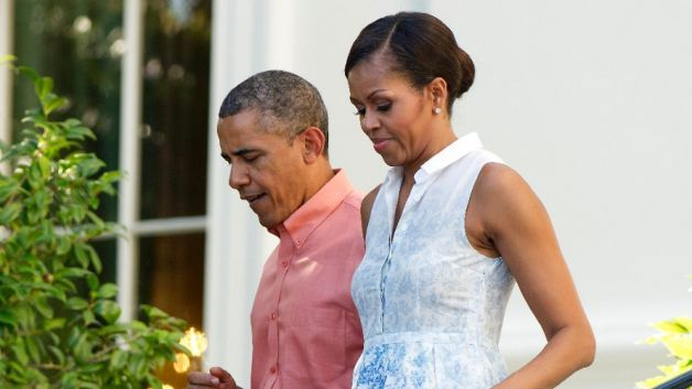 images with barack and michelle | Barack and Michelle Obama Celebrate President's Birthday With Date ...
