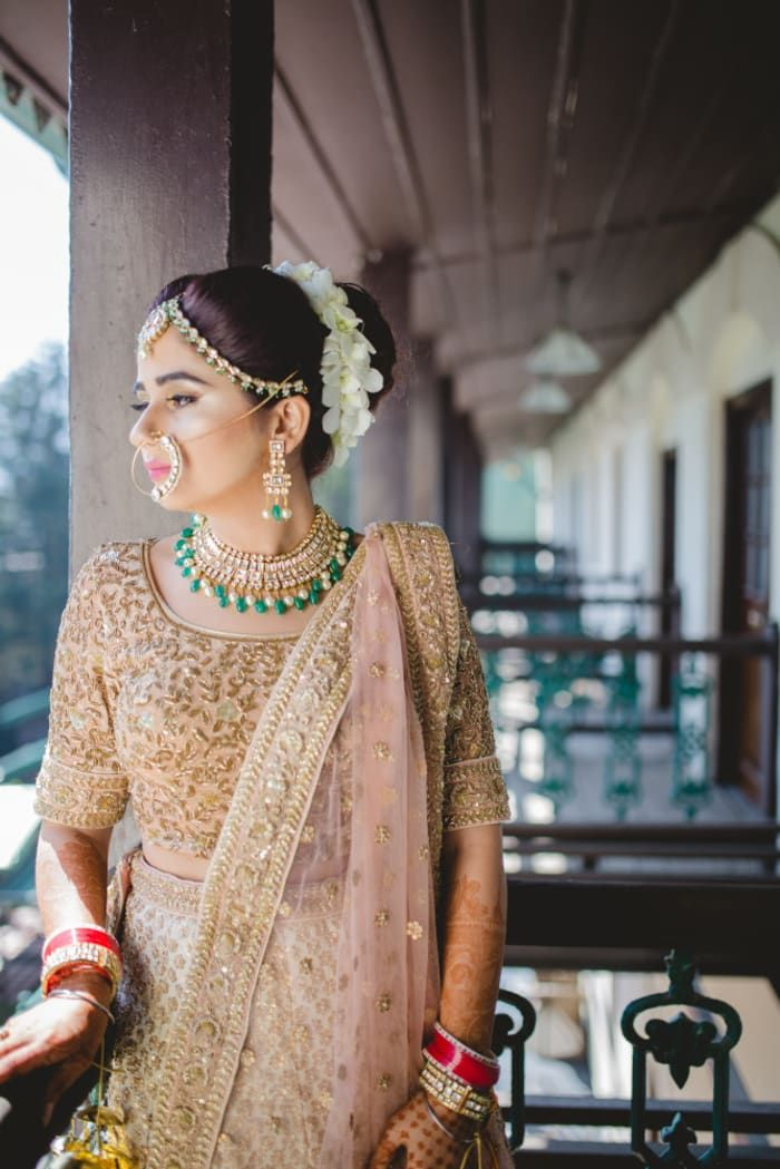 Jewellery - The Royal Bride! Photos, Hindu Culture, Beige Color, Destination Wedding, Hairstyle, Bridal Makeup pictures, images, vendor credits - The Leela Ambience, Anshu Jain, Surendri by Yogesh Chaudhary, WeddingPlz