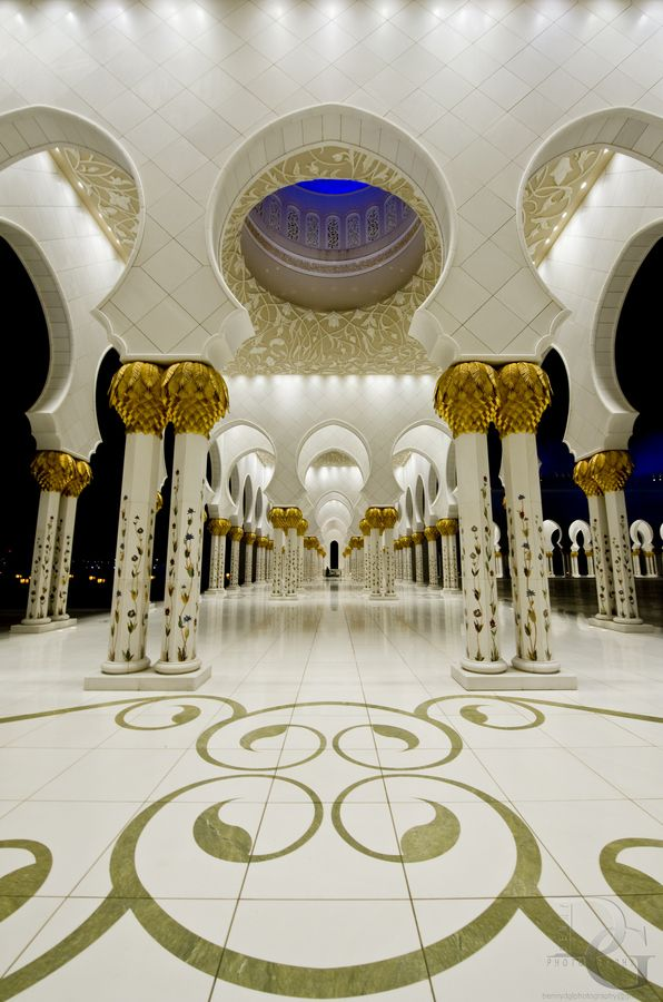 Pillar of Faith - heikh Zayed Grand Mosque (Arabic :جامع الشيخ زايد الكبير) is located in Abu Dhabi, the capital city of the United Arab Emirates.[
