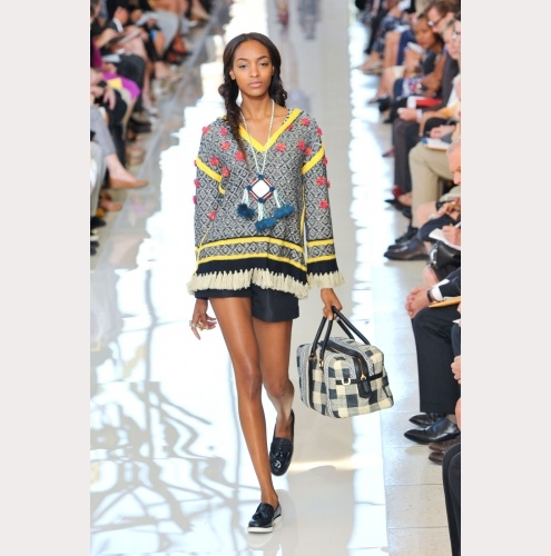 Fashion Week New York: Angesagte Hippiemode bei Tory Burch (Foto: Imaxtree)