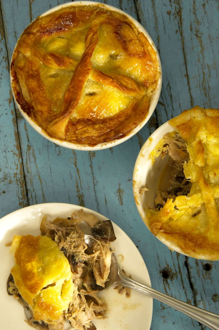 Penny's famous chicken pie #CafeMozart #madamezingara #chickenpie #yummy