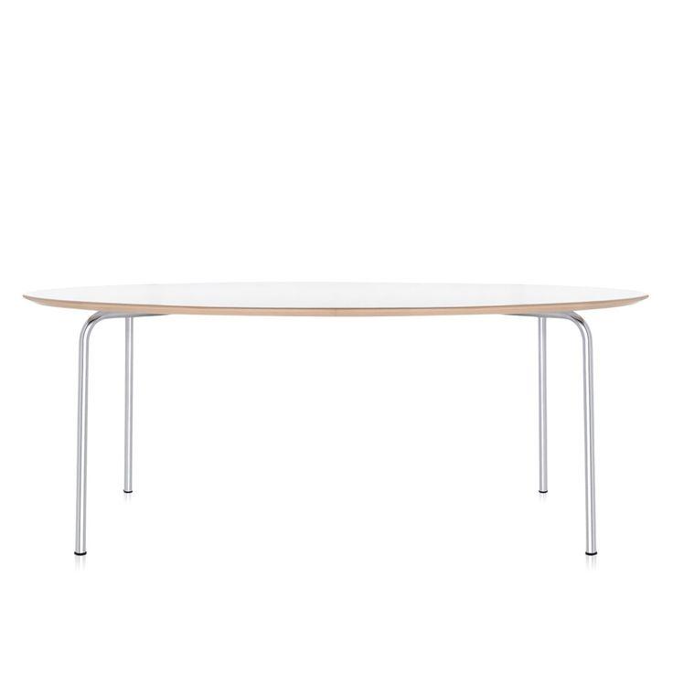 Kartell Maui Tafel is een slanke en moderne eettafel of vergadertafel van Kartell. Het simplistische design maakt dat de tafel in iedere ruimte tot zijn recht komt en gecombineerd kan worden met alle materialen stoelen van hout, kunststof tot leer.