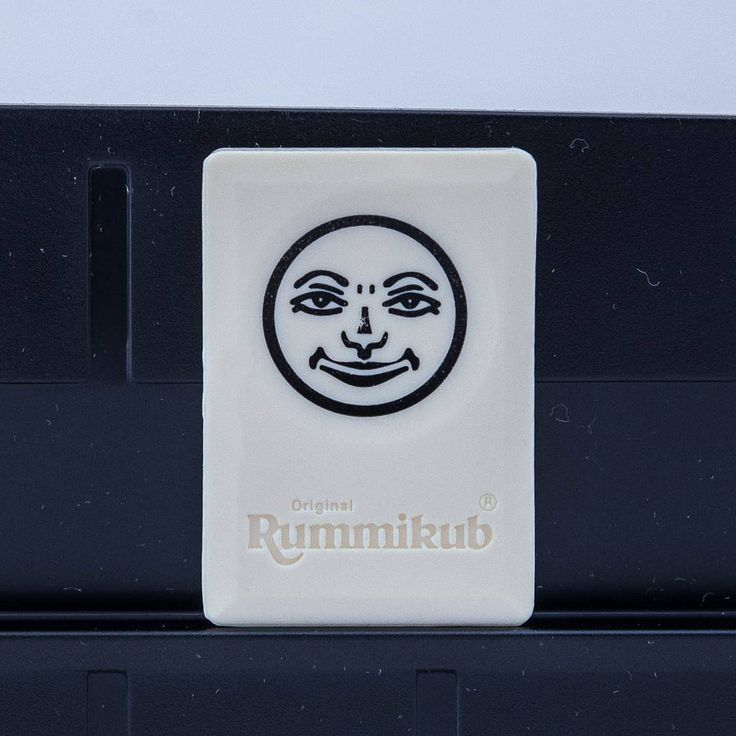 The game is based on the traditional middle-eastern game of Okey. First created in the 1930s and sold in hand produced versions until the late 1970s. #rummikub #orginal #boardgames #brætspil #brädspel #brettspill #spil #spill #smile