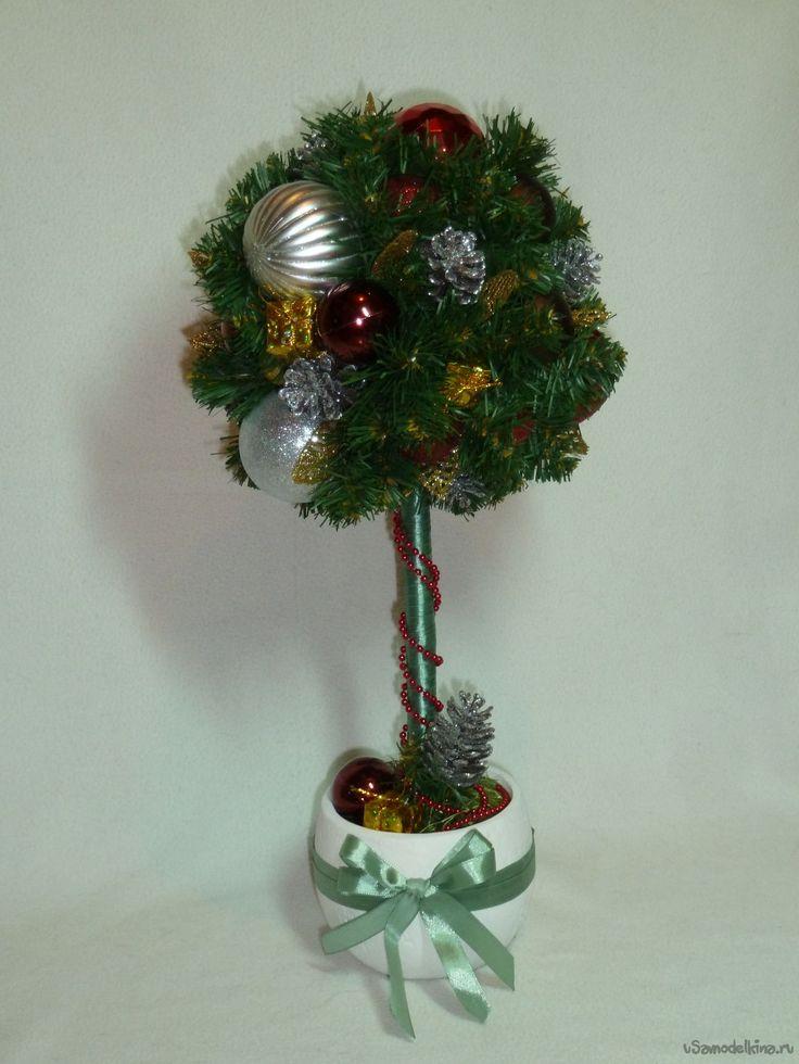 Топиарий Новогодний - елочка из искусственных еловых веточек