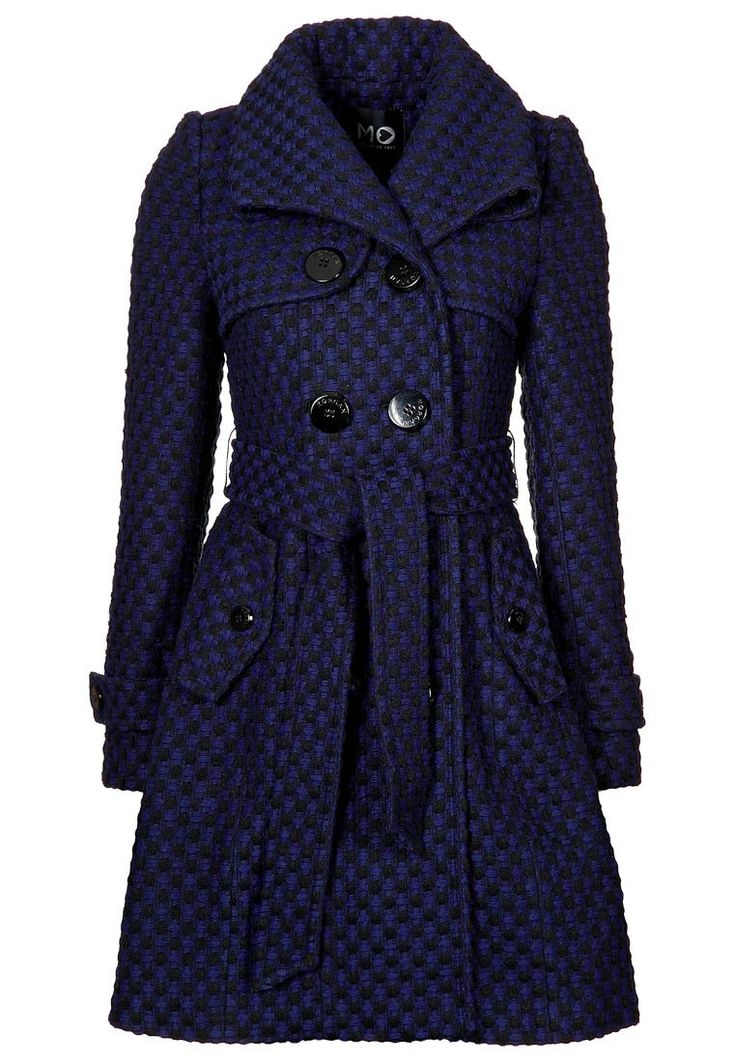 Amelia's blue trenchcoat for London.