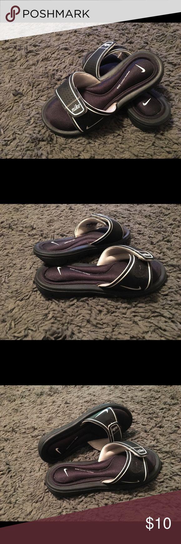 Women's Nike Sandals Size 5 Nike women's slip on sandals Nike Shoes Sandals